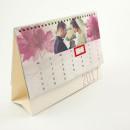 Kalendarz biurkowy ze spirala i okienkiem